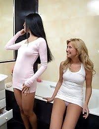 Splendid teen lesbians Lindsey and Elizabeth licking and masturbating wet cunts in bath tub