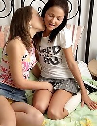 Gorgeous lezzie teens having fun with the sex toys